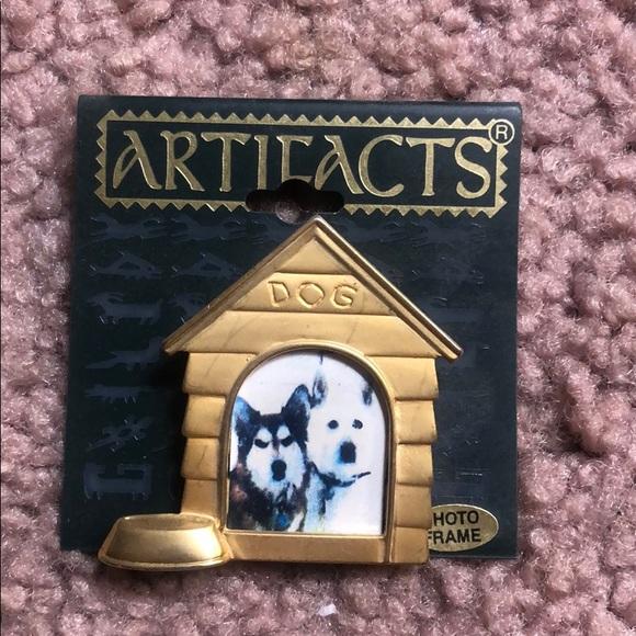 Dog frame button
